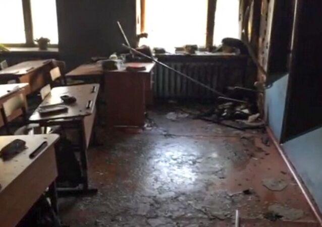 Klasa w szkole na osiedlu Sosnowy Bor w Ułan Ude, gdzie w wyniku napadu wybuchł pożar