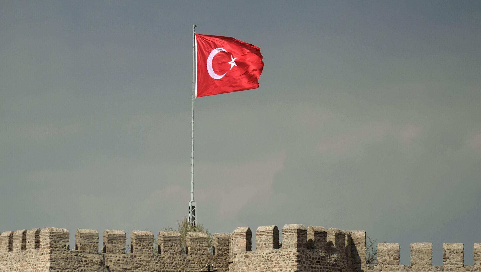Flaga Turcji nad twierdzą Hisar w Ankarze - Sputnik Polska, 1920, 25.05.2021