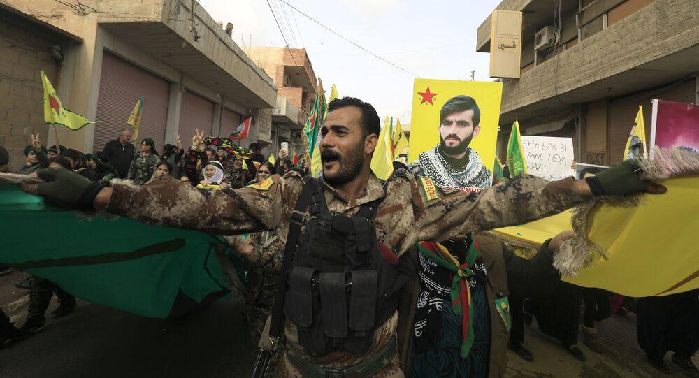 Kurdyjskie Siły Samoobrony w syryjskim mieście Amuda