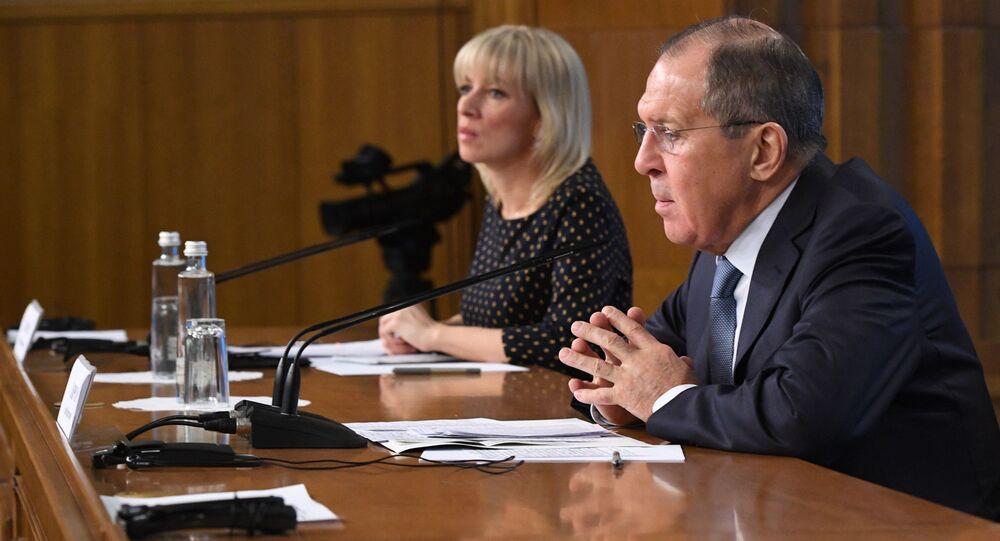 Rzeczniczka Ministerstwa Spraw Zagranicznych Rosji Maria Zacharowa i minister spraw zagranicznych Rosji Siergiej Ławrow