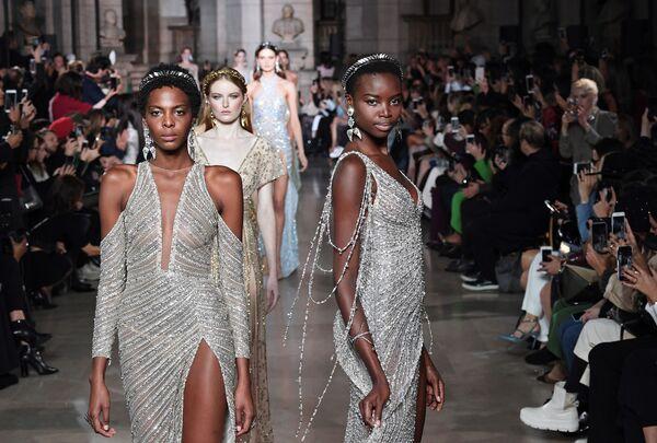 Kolekcja Georgea Hobeika podczas Tygodnia Mody w Paryżu - Sputnik Polska