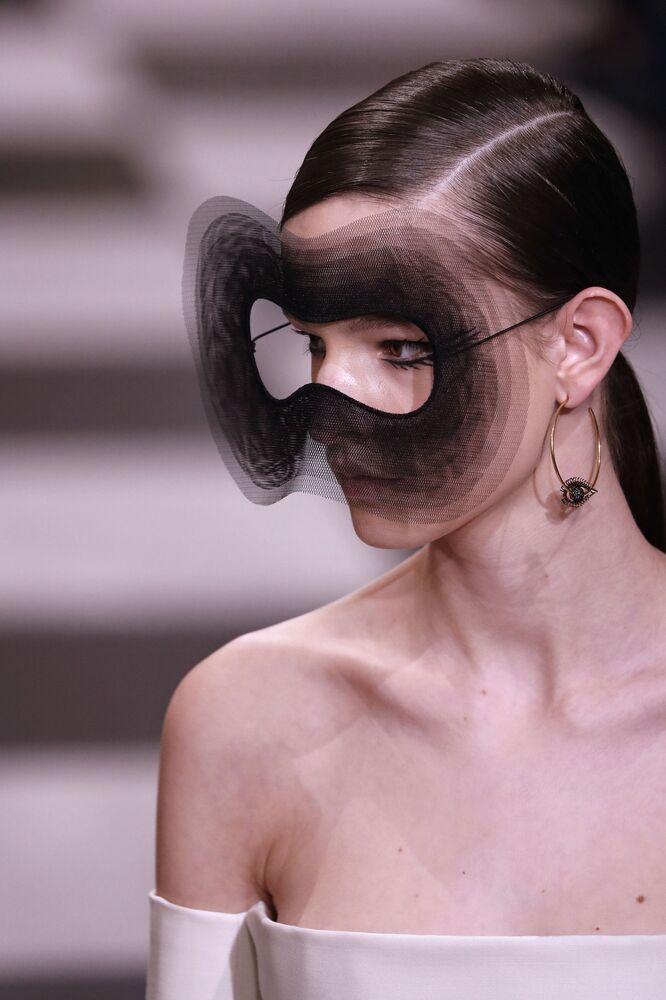 Kolekcja Christiana Diora podczas Tygodnia Mody w Paryżu
