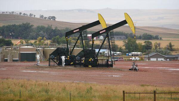 Wydobycie ropy łupkowej w Północnej Dakocie - Sputnik Polska