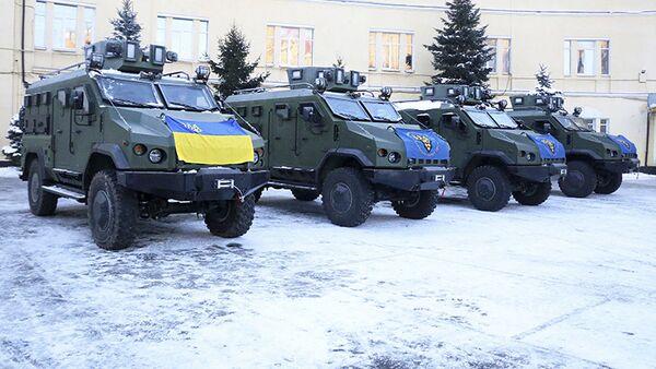 """Nowe samochody pancerne """"Warta"""", które otrzymali żołnierze Gwardii Narodowej Ukrainy - Sputnik Polska"""