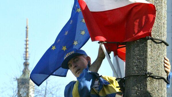 Flagi Polski i UE, Warszawa - Sputnik Polska