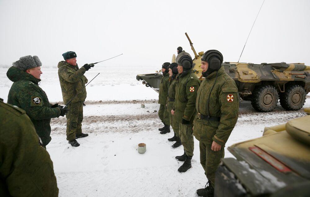 Próba parady z okazji 75. rocznicy bitwy pod Stalingradem