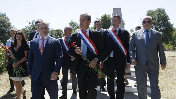 Przewodniczący Państwowej Rady Republiki Krymu Władimir Konstantinow i deputowany Zgromadzenia Narodowego Thierry Mariani - Sputnik Polska