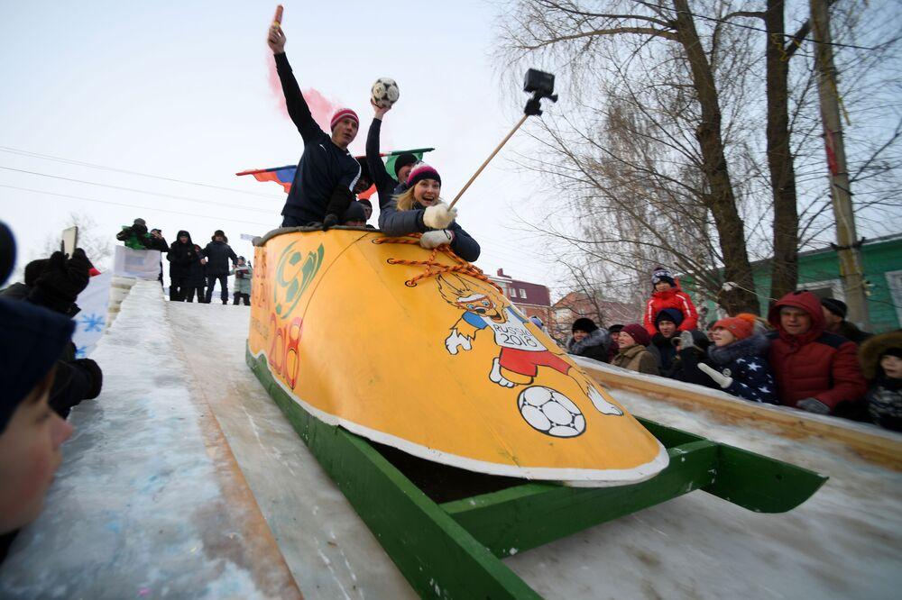 Festiwal kreatywnych pojazdów śnieżnych Sunnyfest w Republice Tatarstanu