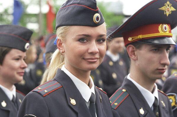 Absolwenci Uniwersytetu Moskiewskiego Ministerstwa Spraw Wewnętrznych, 2003 rok - Sputnik Polska