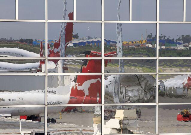 Samolot linii lotniczych Qantas na lotnisku w Sydney