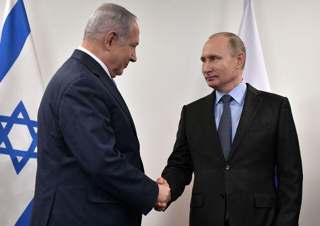 Premier Izraela Benjamin Netanjahu i prezydent Rosji Władimir Putin na spotkaniu w Muzeum Żydowskim i Centrum Tolerancji