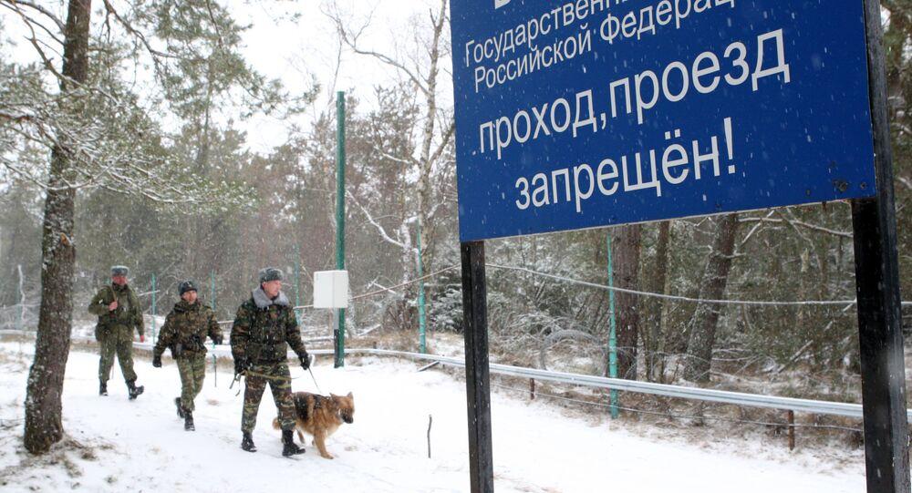 Patrol służby granicznej na granicy litewsko-rosyjskiej