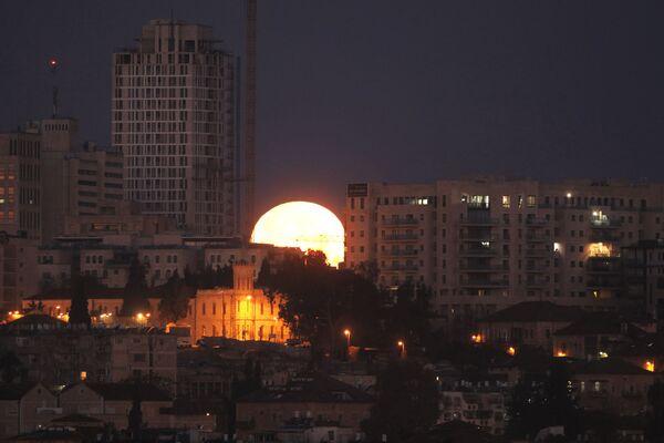 Zachód Księżyca w Jerozolimie, 31 stycznia 2018 - Sputnik Polska