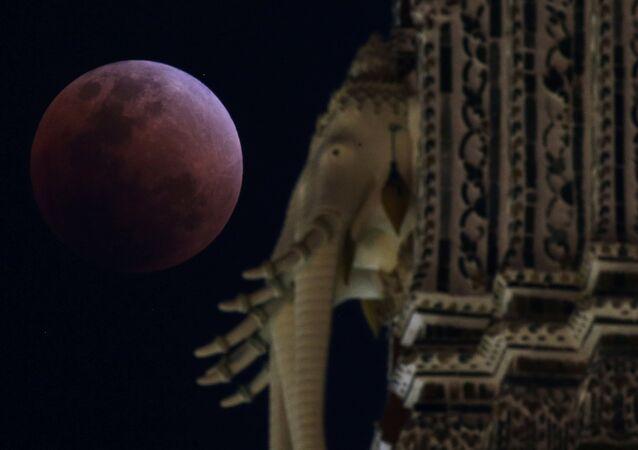Krwawy Księżyc w Bangkoku, 31 stycznia 2018