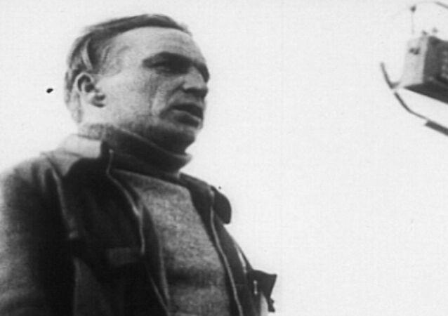Walerij Czkałow - radziecki lotnik rekordowy i doświadczalny