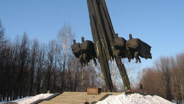 Pomnik polsko-radzieckiego braterstwa broni - Sputnik Polska