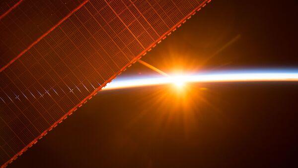 Widok na wschód słońca z MSK - Sputnik Polska