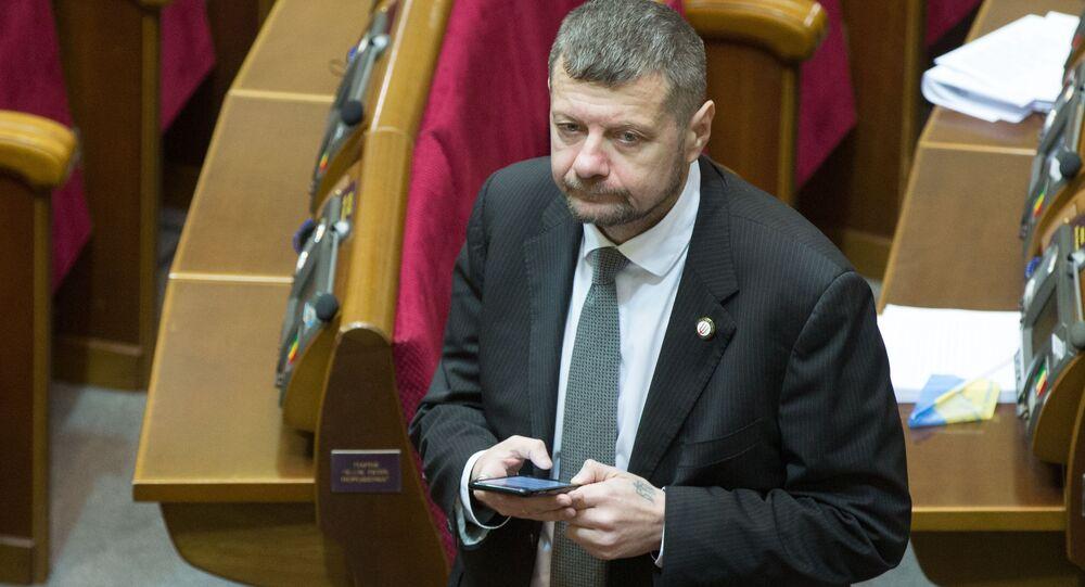 Deputowany do Rady Najwyższej Igor Mosijczuk na posiedzeniu Rady Najwyższej