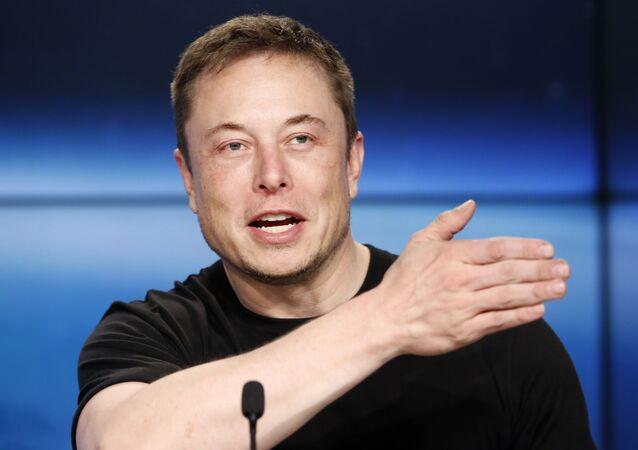 Biznesmen i założyciel SpaceX Elon Musk na konferencji prasowej