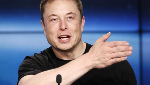 Biznesmen i założyciel SpaceX Elon Musk na konferencji prasowej - Sputnik Polska