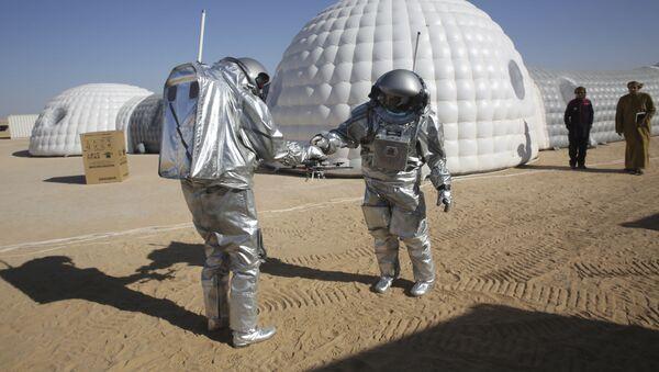 Na południowym wschodzie Omanu trwa eksperyment w zakresie ziemskiego modelowania życia na Marsie. - Sputnik Polska