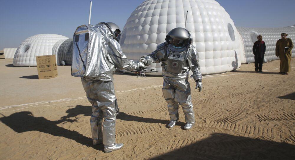 Ekspedycja  AMADEE-18 ćwiczy modelowanie życia na Marsie na pustyni w Omanie