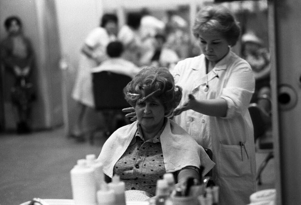 W jednym z moskiewskich salonów fryzjerskich.
