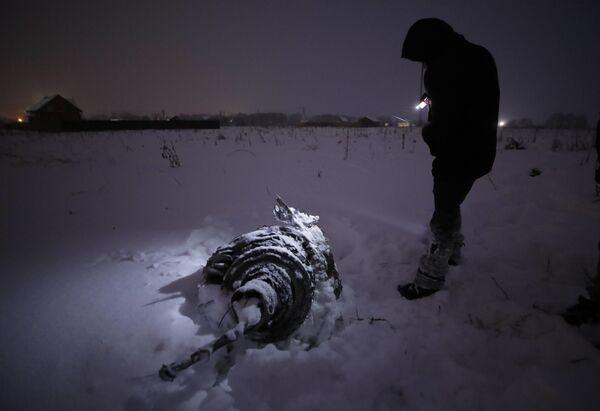 Wrak na miejscu katastrofy samolotu An-148 Saratowskich linii lotniczych pod Moskwą. - Sputnik Polska