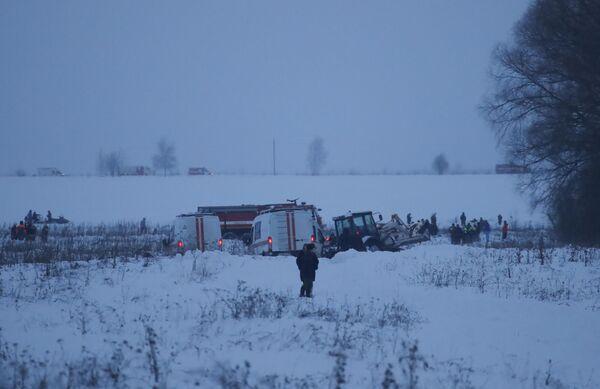 Miejsce katastrofy samolotu An-148 Saratowskich linii lotniczych pod Moskwą. - Sputnik Polska