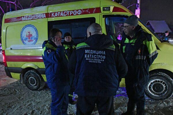Ratownicy na miejscu upadku samolotu An-148 Saratowskich linii lotniczych pod Moskwą - Sputnik Polska
