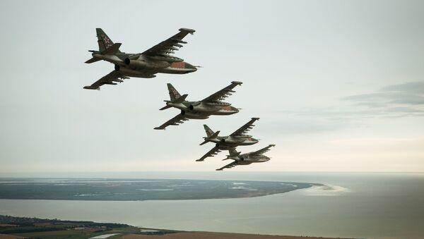 Samoloty szturmowe Su-25SM3 podczas specjalnego szkolenia lotniczego załóg w Primorsko-Achtarsku - Sputnik Polska