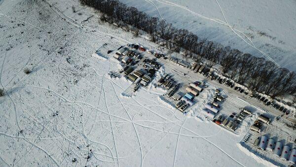 Namioty pracowników Ministerstwa ds. Sytuacji Nadzwyczajnych na miejscu katastrofy samolotu An-148 Sraratowskich Linii Lotniczych - Sputnik Polska