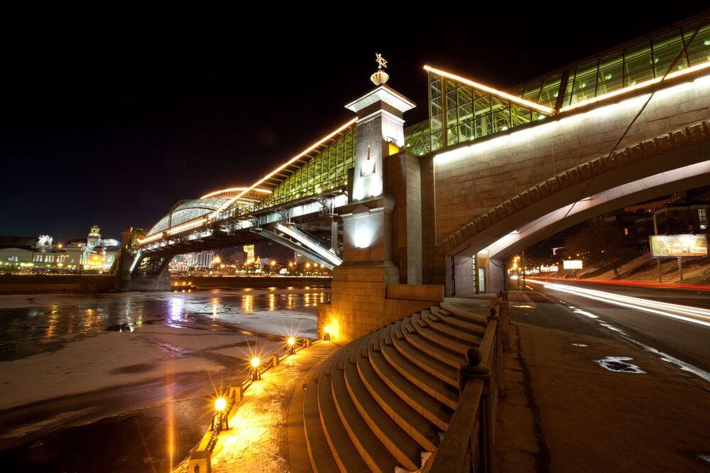 Most przy stacji kolejowej Kijewskaja