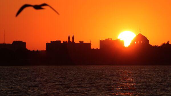 Zachód Słońca w Eupatorii - Sputnik Polska
