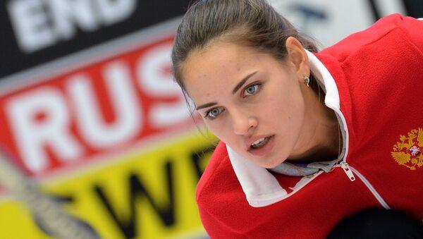 Rosyjska sportsmenka Anastazja Bryzgałowa na turnieju par mieszanych w curlingu - Sputnik Polska