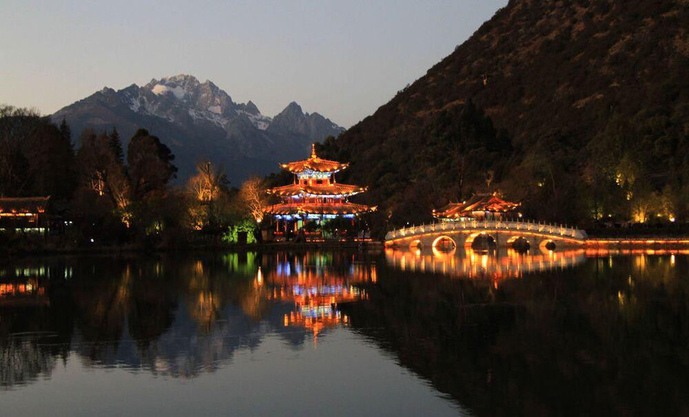 Black Dragon Pool, Chiny