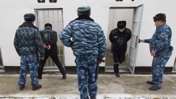 Pracownicy ochrony kolonii karnej dla skazanych skazanych na dożywotnie więzienie. Zdjęcie archiwalne - Sputnik Polska