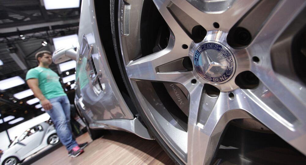 Stoisko firmy Mercedes-Benz na Moskiewskim Międzynarodowym Salonie Samochodowym