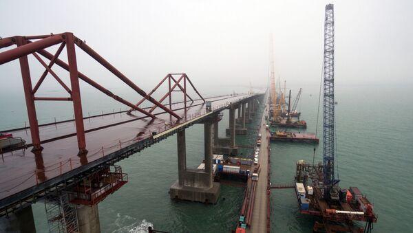 Budowa mostu przez Cieśninę Kerczeńską na Krymie - Sputnik Polska