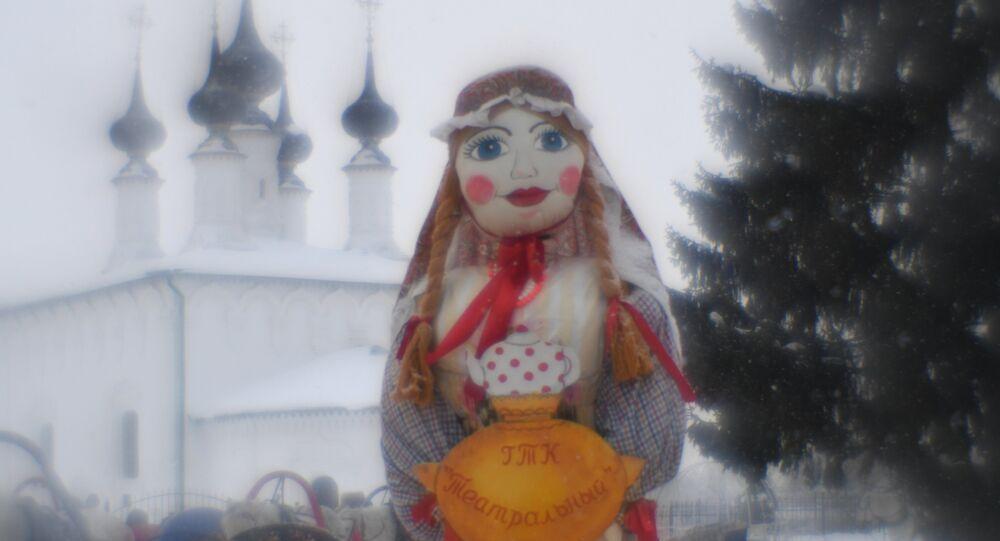 Kukła Maslenicy w Suzdalu.