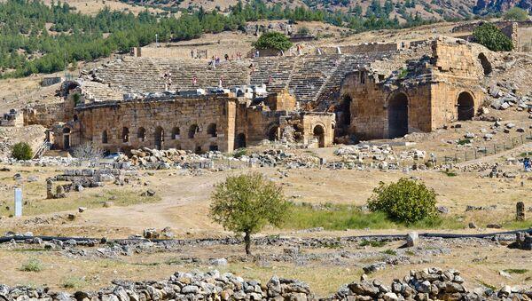 Starożytne miasto Hierapolis na terytorium obecnej Turcji - Sputnik Polska