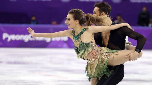 Łyżwiarze figurowi Gabriella Papadakis i Guillaum Cizeron na Igrzyskach Olimpijskich w Pjongczangu 2018 - Sputnik Polska