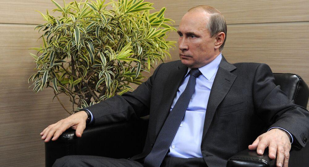 Prezydent Rosji Władimir Putin udziela wywiadu szwajcarskim mediom w Petersburgu