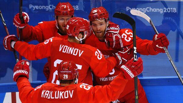 Rosyjska drużyna cieszy się z bramki w meczu ćwierćfinałowym Rosja-Norwegia w męskim hokeju na XXIII Zimowych Igrzyskach Olimpijskich - Sputnik Polska