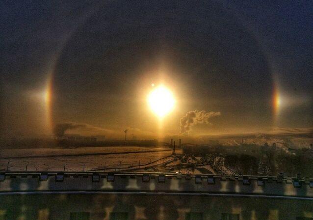 Halo nad Petersburgiem o świcie