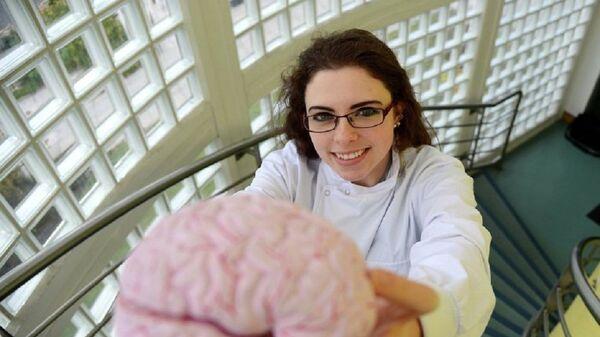 Mózg człowieka chorego na Alzheimera - Sputnik Polska