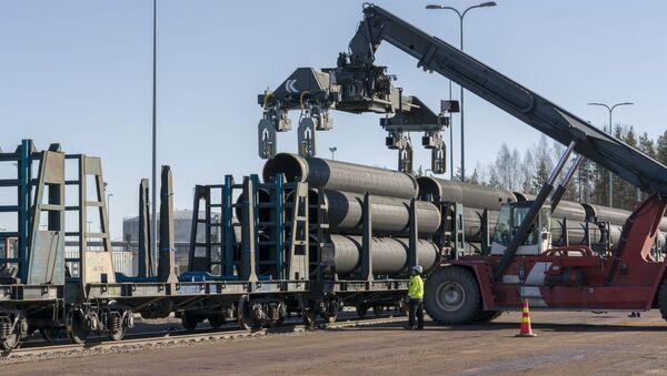 Wyładunek rur do Nord Stream-2 w miejscowości Kotka w Finlandii - Sputnik Polska