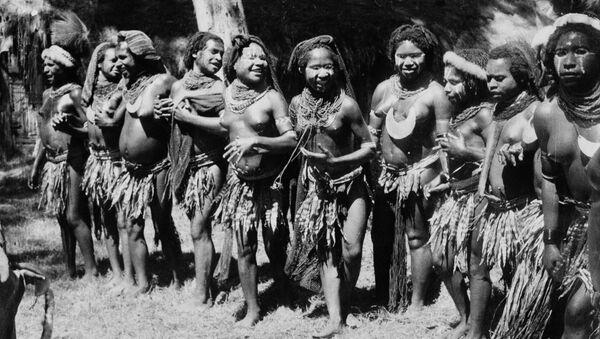 Taniec ślubny w Papui Nowej Gwinei - Sputnik Polska