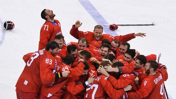 Rosyjcy hokeiści po zwycięstwie na Olimpiadzie - Sputnik Polska