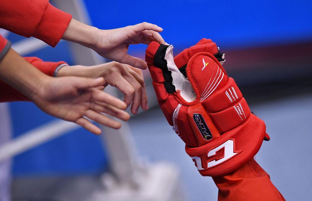 Autorem zwycięskiego strzału w finale Olimpiady w 2018 roku był napastnik Kirill Kaprizow.